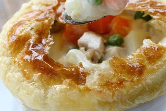 Creamy Chicken and Vegetable Pot Pie