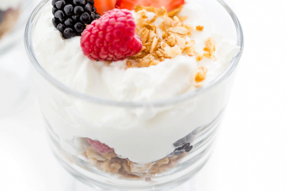 Greek Yogurt Parfaits with Berries